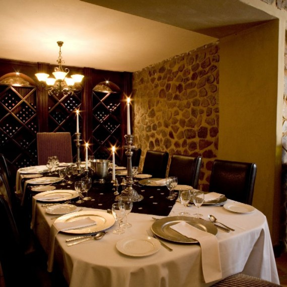 Place-setting---Wine-cellar-2